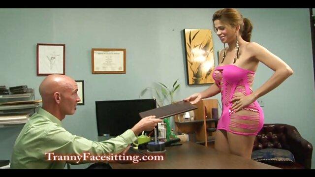 Blonde femme sexe à film x gratuit cheval la maison