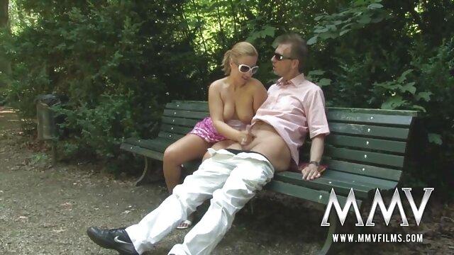 Mofos - Pervs On Patrol film x hd gratuit - Blonde à lunettes défoncée en levrette